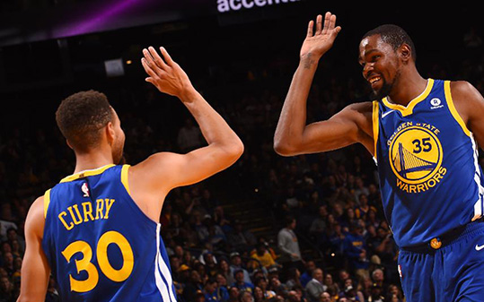 Golden State's Kevin Durant and Steph Curry